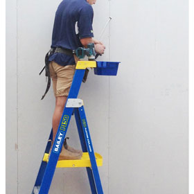 P150 fibreglass platform stepladder with droplock bucket